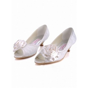 With Low -heeled Fish Head Satin Bridal Shoe With Fine