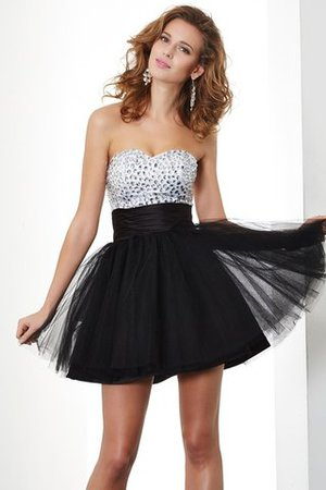 Sweetheart Organza A-Line Beading Homecoming Dress