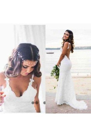 Romantic Spaghetti Straps Chic & Modern Appliques Wedding Dress