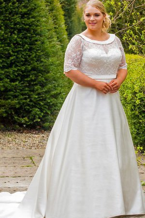 Natural Waist Lace Half Sleeves Scoop Plus Size Wedding Dress