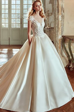 Vintage Elegant & Luxurious Beach Misses Long Wedding Dress