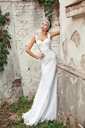 Elegant & Luxurious Sleeveless Sheath Sweetheart Bow Wedding Dress