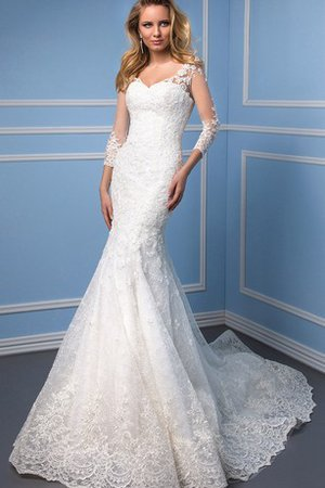 V-Neck Formal Thin Demure 3/4 Length Sleeves Wedding Dress