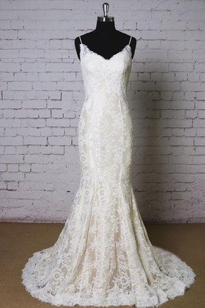 Sexy Vintage Floor Length Elegant & Luxurious Lace Wedding Dress