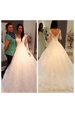 Long V-Neck Court Train Lace Fabric Scalloped-Edge Wedding Dress