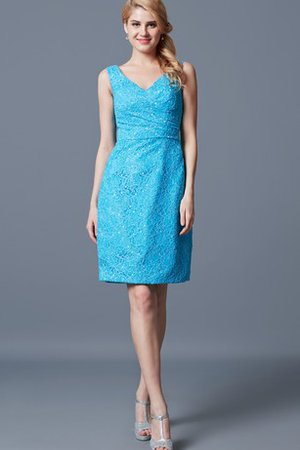 Simple Beading Demure Lace Fabric V-Neck Cocktail Dress
