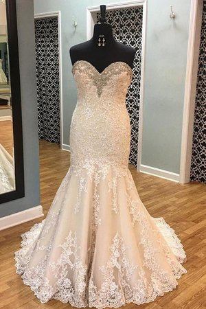 Sleeveless Jewel Accented Court Train Vintage Thin Church Amazing Wedding Dress