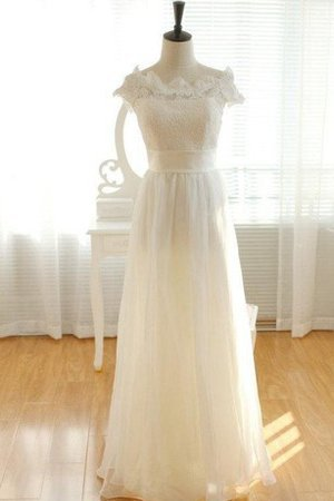 Capped Sleeves Apple Short Sleeves Chic & Modern Lace Wedding Dress