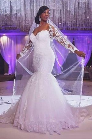 Natural Waist Sweetheart Appliques Sweep Train Mermaid Wedding Dress