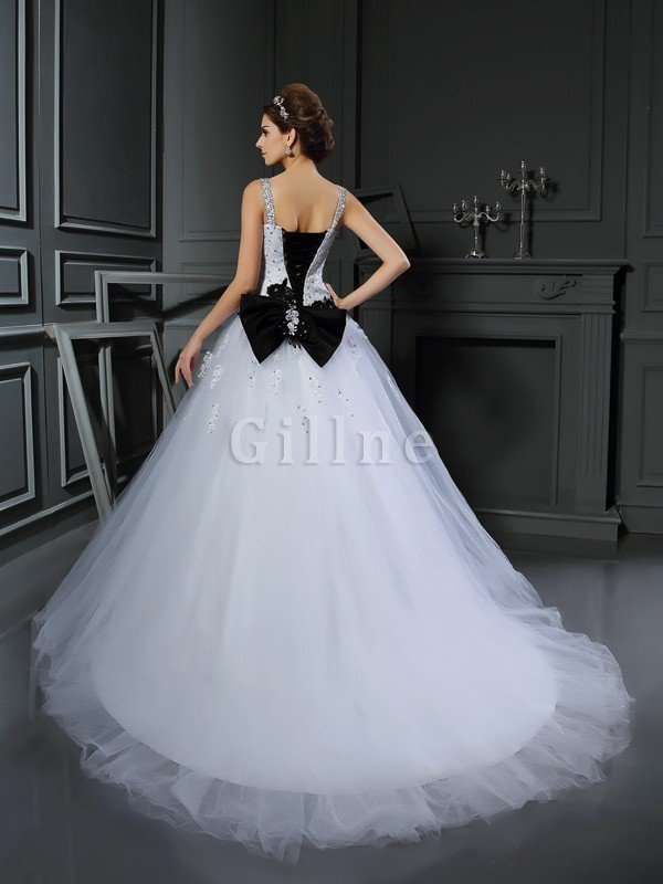 Spaghetti Straps Lace-up Chapel Train Appliques Tulle Wedding Dress