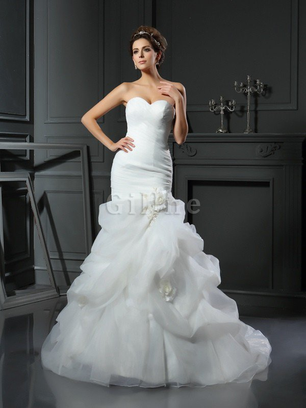 Ruffles Chapel Train Long Lace-up Sleeveless Wedding Dress