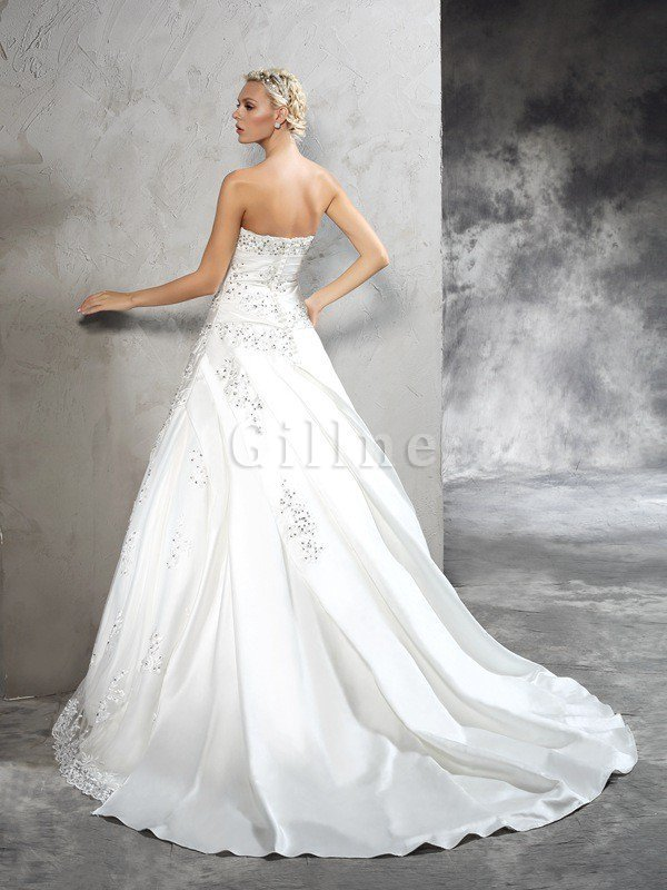 Court Train Zipper Up Natural Waist Long Sleeveless Wedding Dress