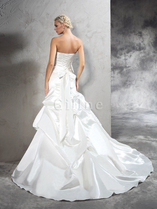 Natural Waist Sleeveless Draped Strapless Sheath Wedding Dress