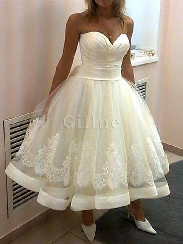 Tea Length Sleeveless Natural Waist Appliques Tulle Wedding Dress