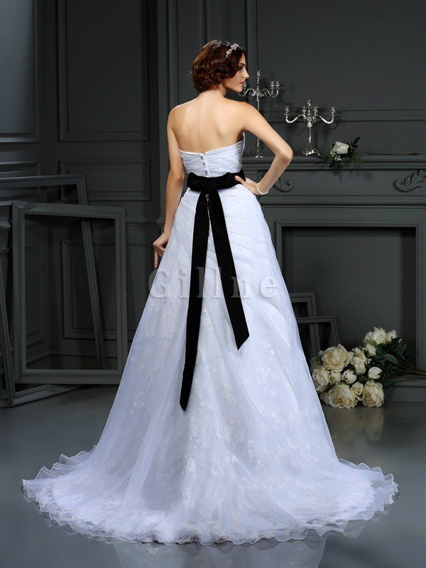 Sleeveless Long Court Train Sweetheart Satin Wedding Dress
