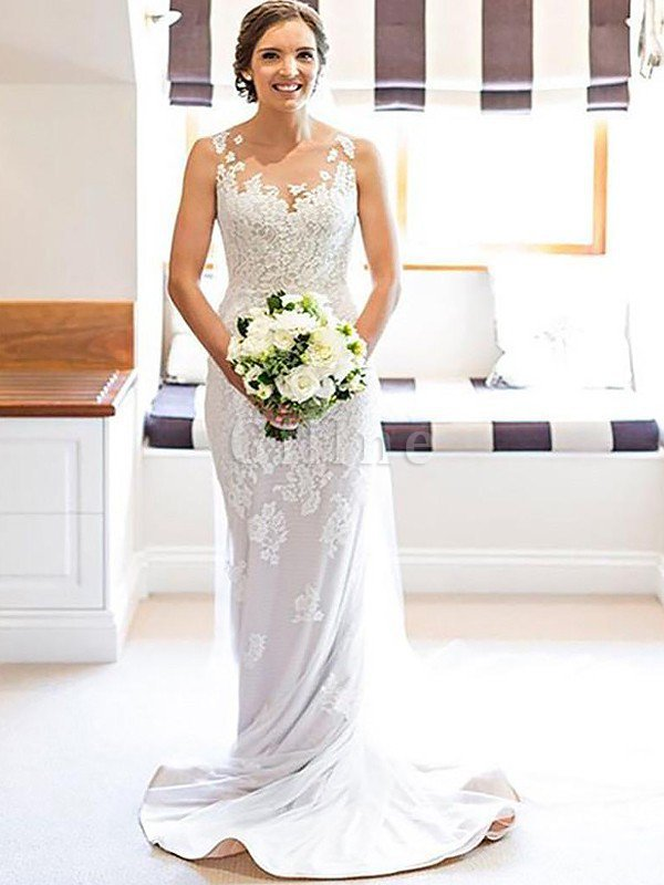Court Train Lace Natural Waist Sleeveless Scoop Wedding Dress